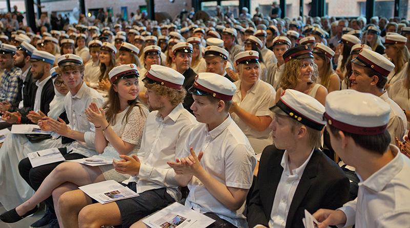 Studenter til dimission på Fjerritslev Gymnasium