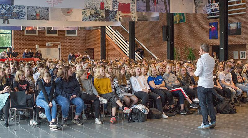 Fællessamling på Fjerritslev Gymnasium
